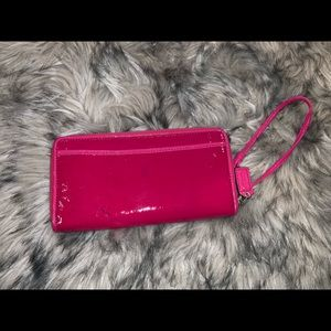 Coach Bags - 💋Coach Poppy Pink Patent Leather Wallet